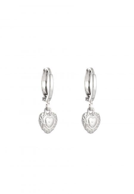 Kleine zilveren hartjes oorbellen