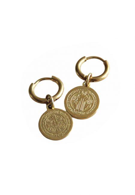 Goudkleurige kleine oorbellen met bedeltje, De Leuke Dingen