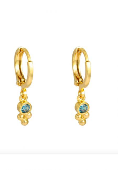 Kleine goudkleurige oorbellen met steentje